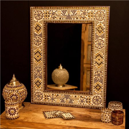 Kralengordijn en spiegels